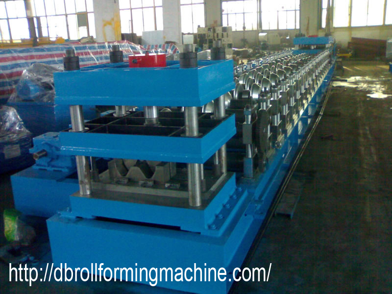 Three Wave Guardrail Roll Forming Machine